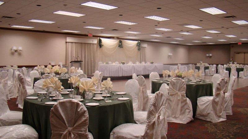 Holiday Inn Burlington - Hotel & Conf Centre-Wedding Set Up in our Harvester Hall<br/>Image from Leonardo
