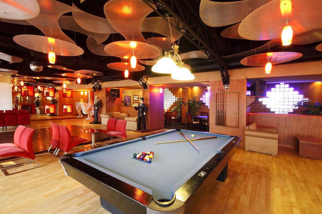 Golden Parnassus Resort & Spa - Bar Sixtie S <br/>Image from Leonardo