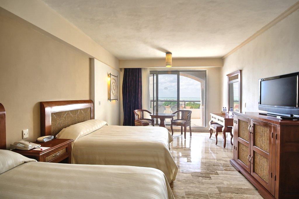 Golden Parnassus Resort & Spa - Deluxe Lagoon <br/>Image from Leonardo