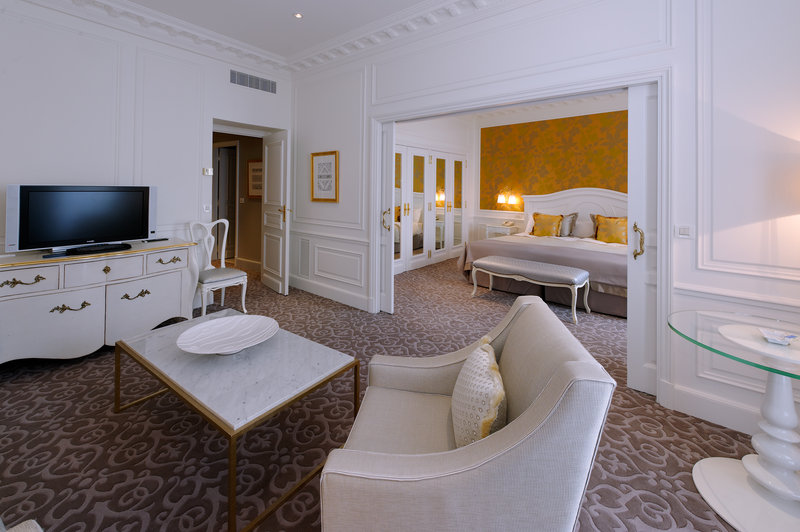 Hermitage Monte Carlo-One Bedroom Suite - City or Courtyard View<br/>Image from Leonardo
