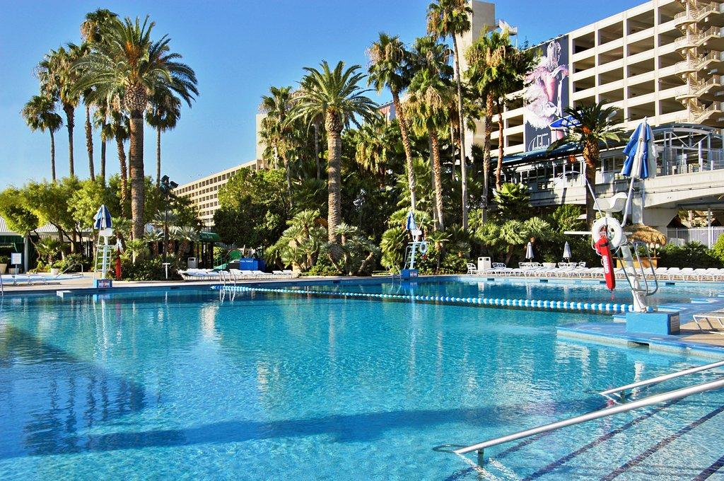Bally's Casino Resort - Ballys Pool <br/>Image from Leonardo