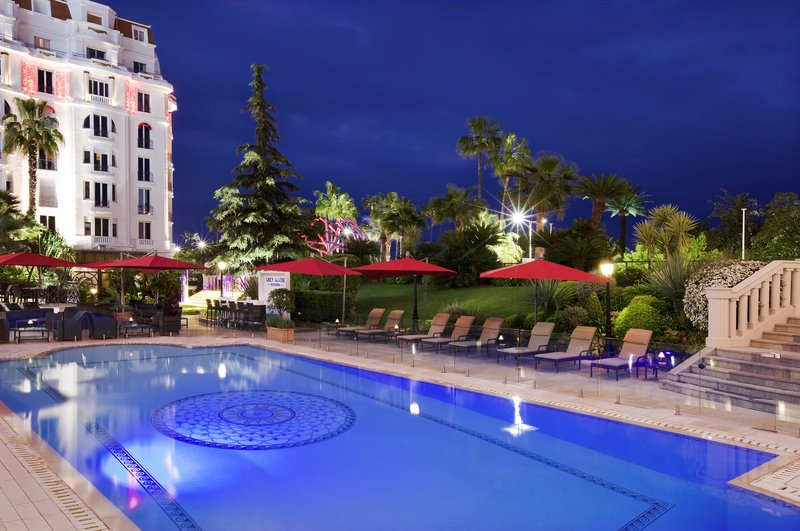 Hotel Majestic Barriere-Swimming Pool<br/>Image from Leonardo