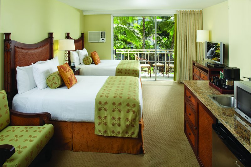 Courtyard by Marriott Waikiki-Deluxe Double Guest Room<br/>Image from Leonardo