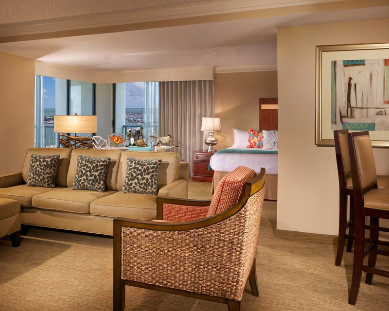 Omni Corpus Christi Hotel-Executive Suite<br/>Image from Leonardo