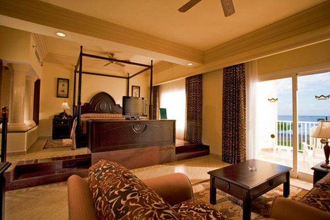 Riu Guanacaste - Room IV <br/>Image from Leonardo