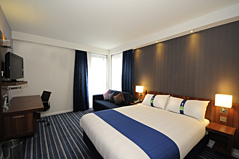 Holiday Inn Express Sheffield City Centre-EMASSRooms Jpg<br/>Image from Leonardo