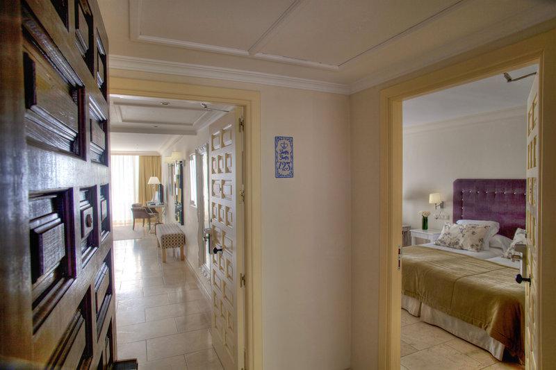 Hotel Puente Romano-Family Room<br/>Image from Leonardo