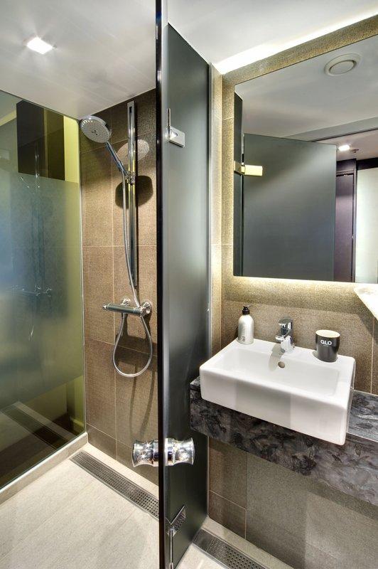 Glo Hotel Art-Bathroom<br/>Image from Leonardo
