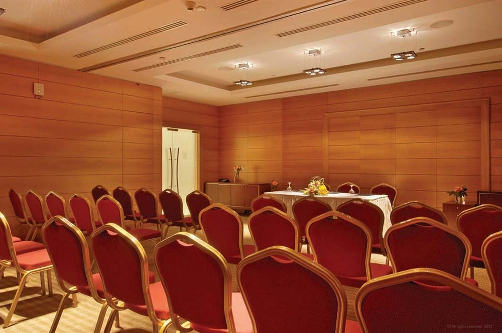 Millennium Doha - Bqt Al Sadd Meeting Room Theatre Style <br/>Image from Leonardo