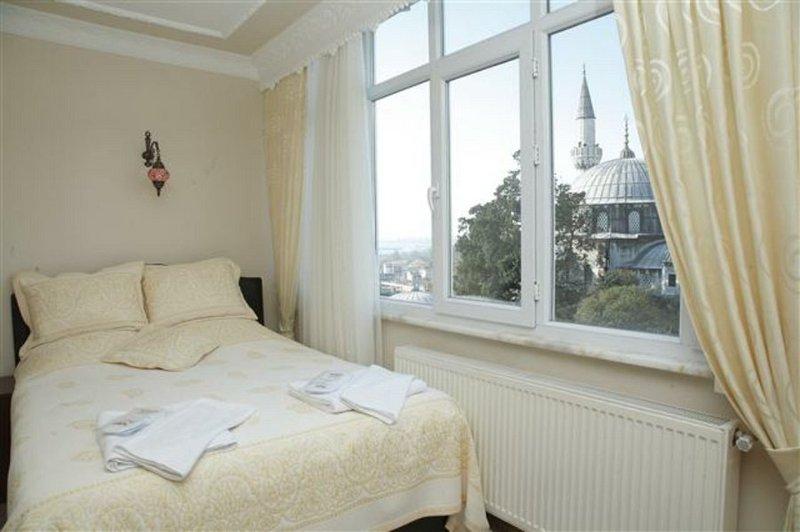 Dara Hotel Istanbul-Room<br/>Image from Leonardo