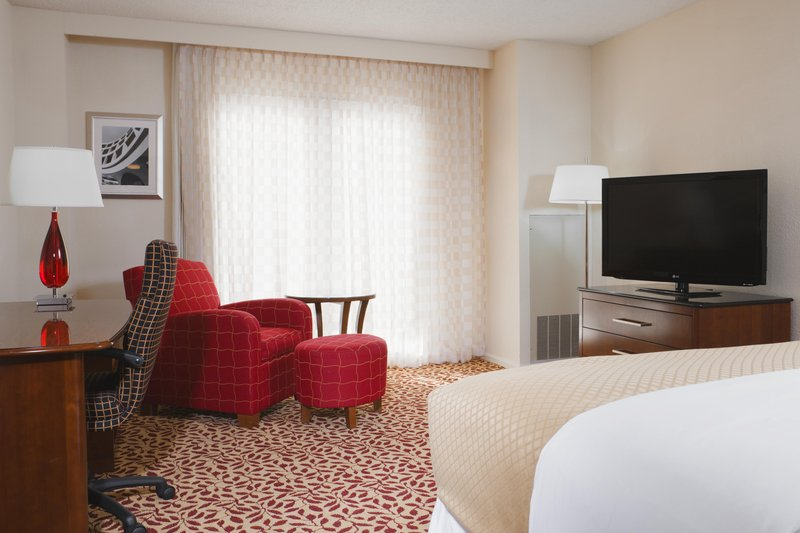 DoubleTree by Hilton Austin-Deluxe King 5th and 6th Floors<br/>Image from Leonardo
