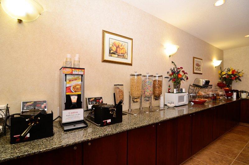 Best Western Plus Walla Walla Suites Inn-Breakfast Area<br/>Image from Leonardo