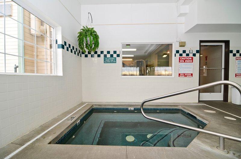 Best Western Plus Walla Walla Suites Inn-Indoor Hot Tub<br/>Image from Leonardo