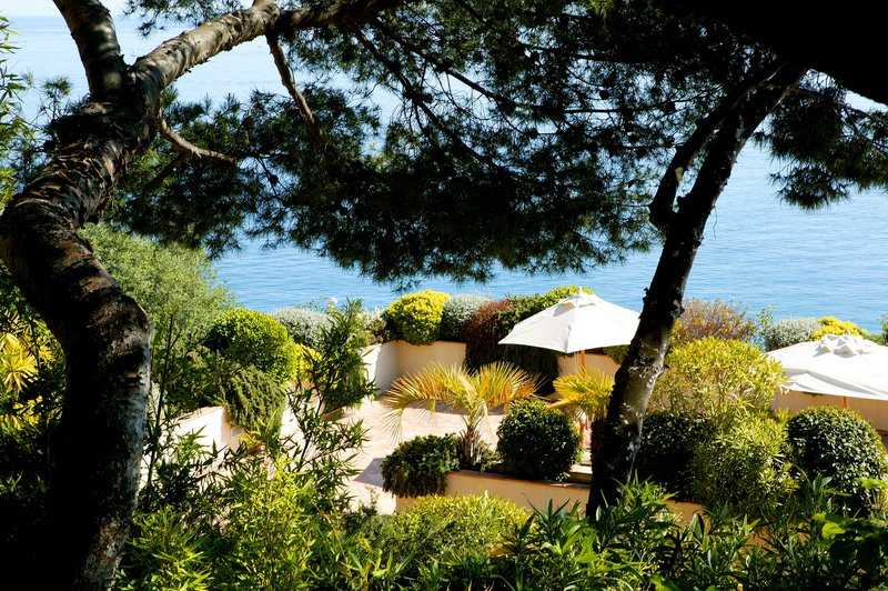 La Perouse Hotel-Terrace Solarium<br/>Image from Leonardo