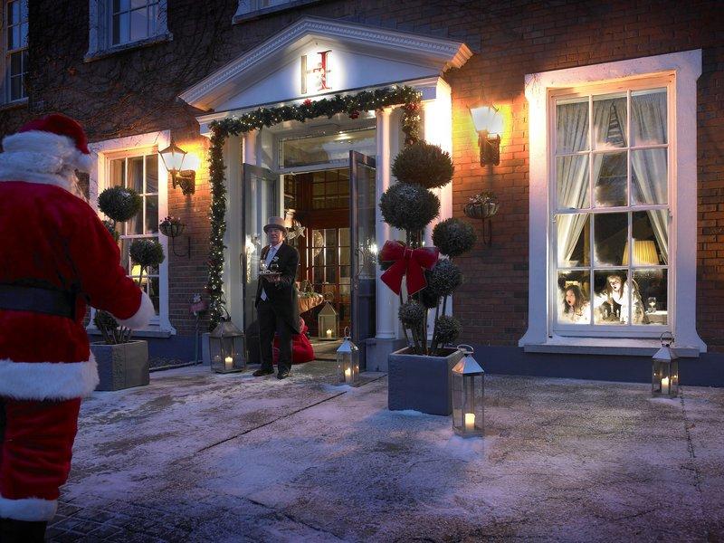 Hayfield Manor-Santa<br/>Image from Leonardo