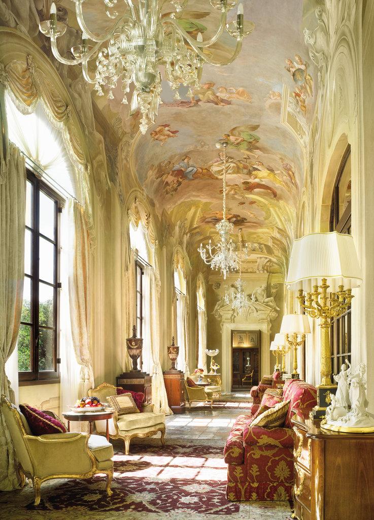 Four Seasons Firenze Hotel-Royal Suite living room<br/>Image from Leonardo