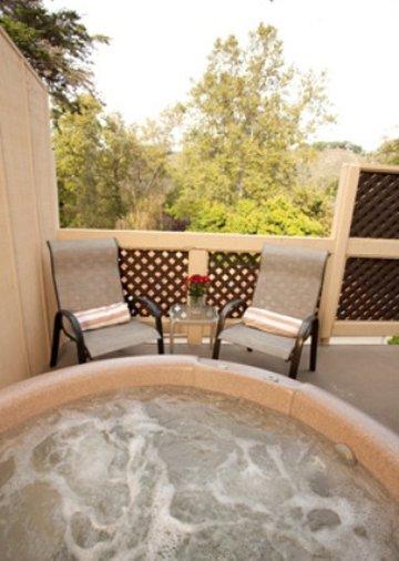 Sycamore Mineral Springs Resort-Adventureroom Hottub<br/>Image from Leonardo