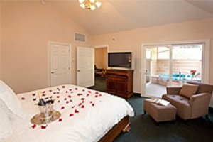 Sycamore Mineral Springs Resort-Stay Guestroom Westmeadow<br/>Image from Leonardo