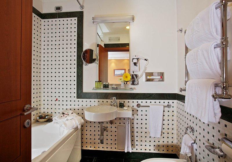 Palazzo Turchini-Executive Bathroom<br/>Image from Leonardo