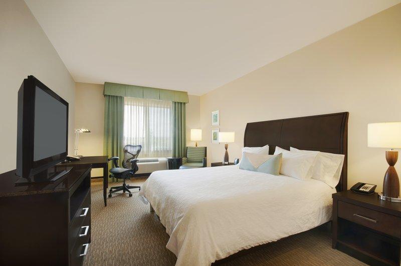 Hilton Garden Inn San Bernardino-King Room<br/>Image from Leonardo