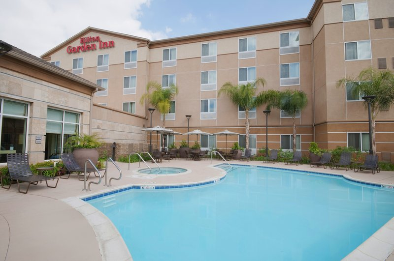 Hilton Garden Inn San Bernardino-Pool<br/>Image from Leonardo