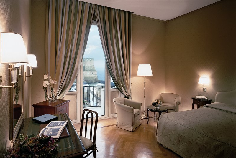 Grand Hotel Vesuvio Naples-Deluxe Seaview King<br/>Image from Leonardo