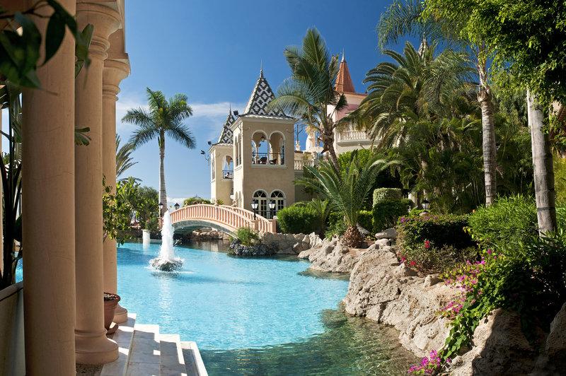 Gran Hotel Bahia del Duque-Pool<br/>Image from Leonardo
