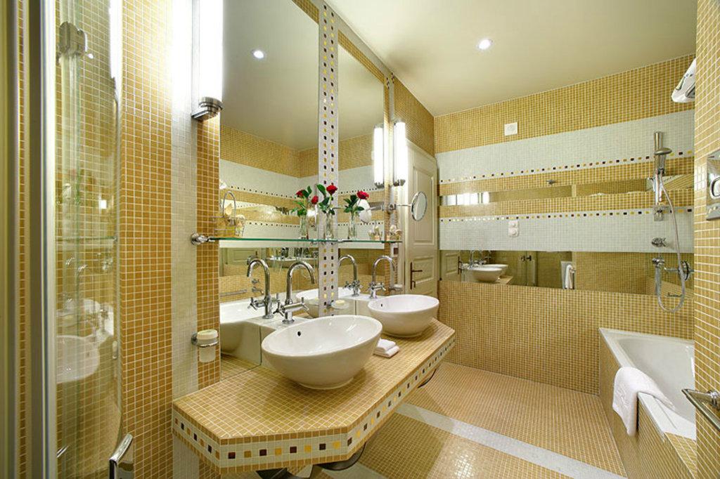 Mamaison Hotel Riverside - Siuite - Bathroom <br/>Image from Leonardo