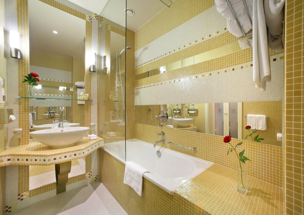 Mamaison Hotel Riverside - Superior Room - Bathroom <br/>Image from Leonardo