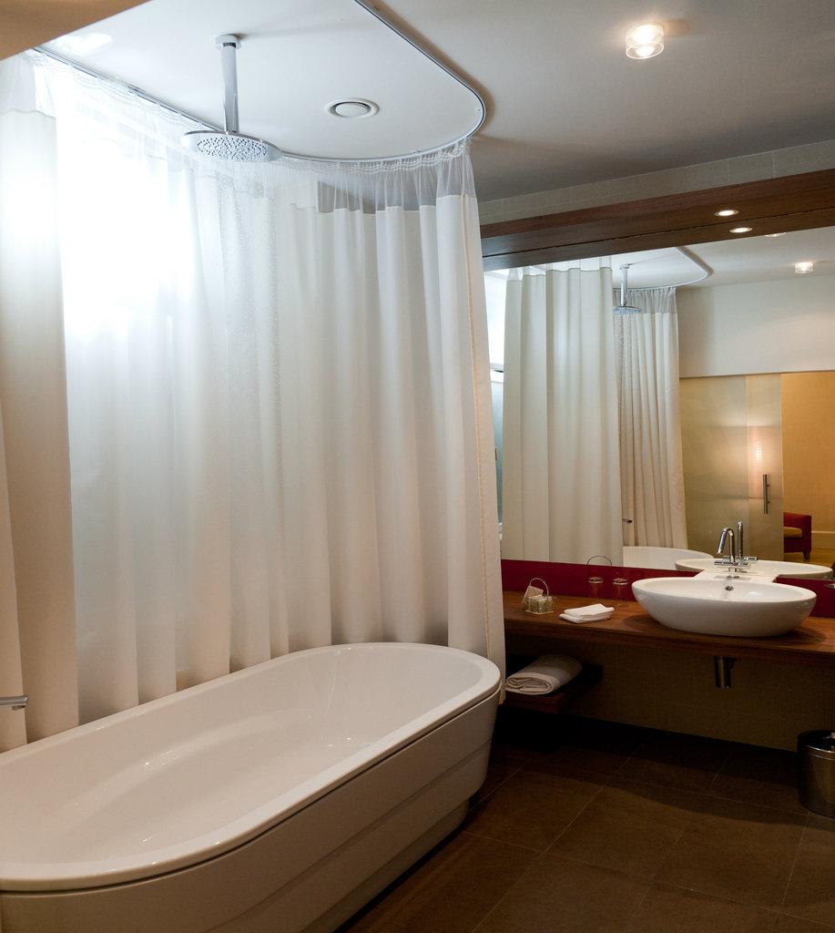 Mamaison Hotel Riverside - Deluxe Room - Rainshower <br/>Image from Leonardo