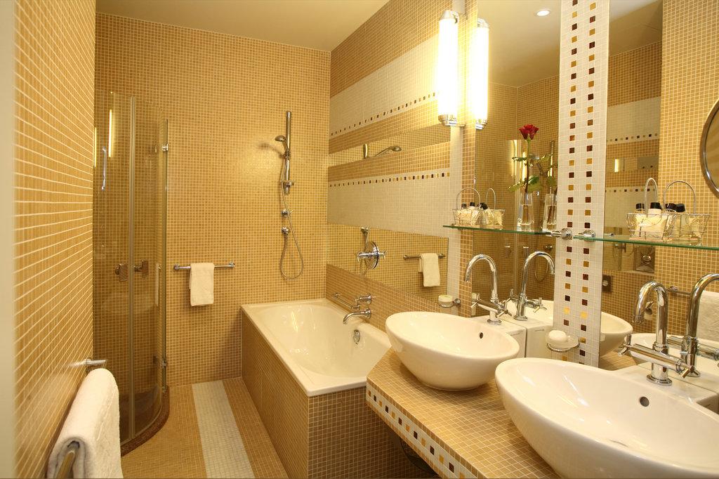 Mamaison Hotel Riverside - Suite - Bathroom <br/>Image from Leonardo