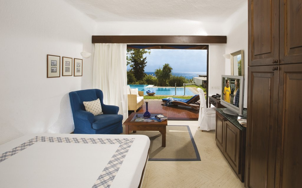 Elounda Bay Palace-Classic Bungalow Seaview Shared Pool<br/>Image from Leonardo