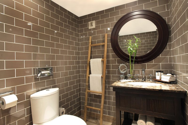 Columbus Monaco Hotel-Bathroom<br/>Image from Leonardo