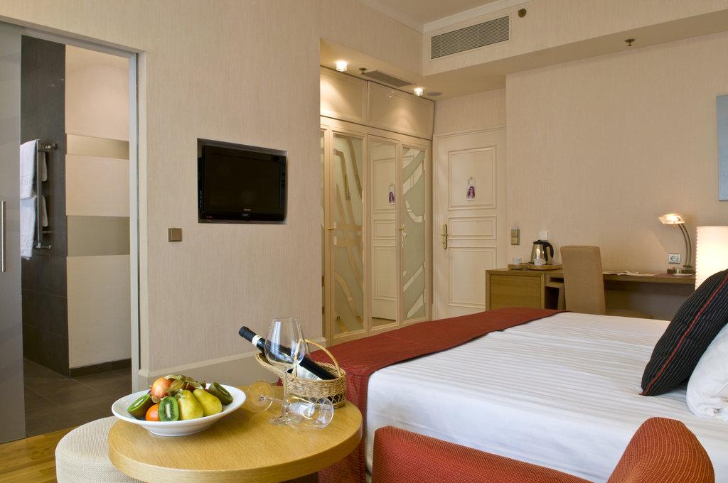 Mamaison Hotel Riverside - Deluxe Room at Mamaison Hotel Riverside Prague <br/>Image from Leonardo