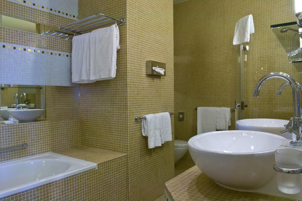 Mamaison Hotel Riverside - Junior Suite Bathroom at Mamaison Hotel Riverside <br/>Image from Leonardo