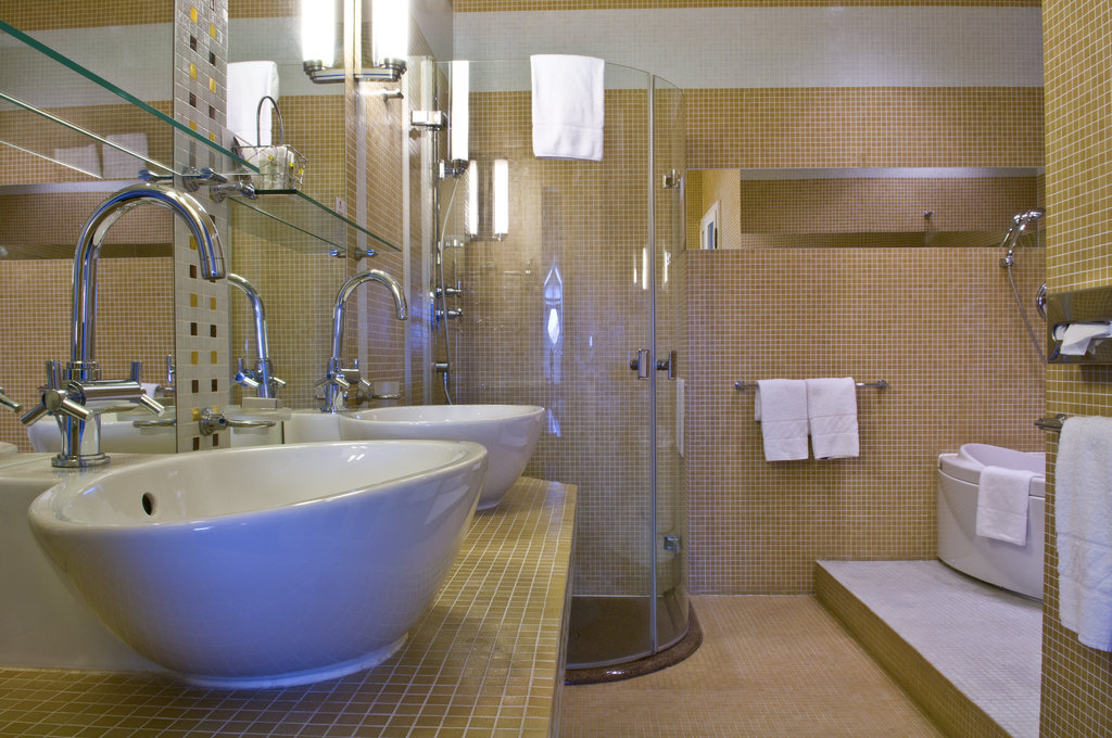 Mamaison Hotel Riverside - Bathroom Suite at Mamaison Hotel Riverside Prague <br/>Image from Leonardo