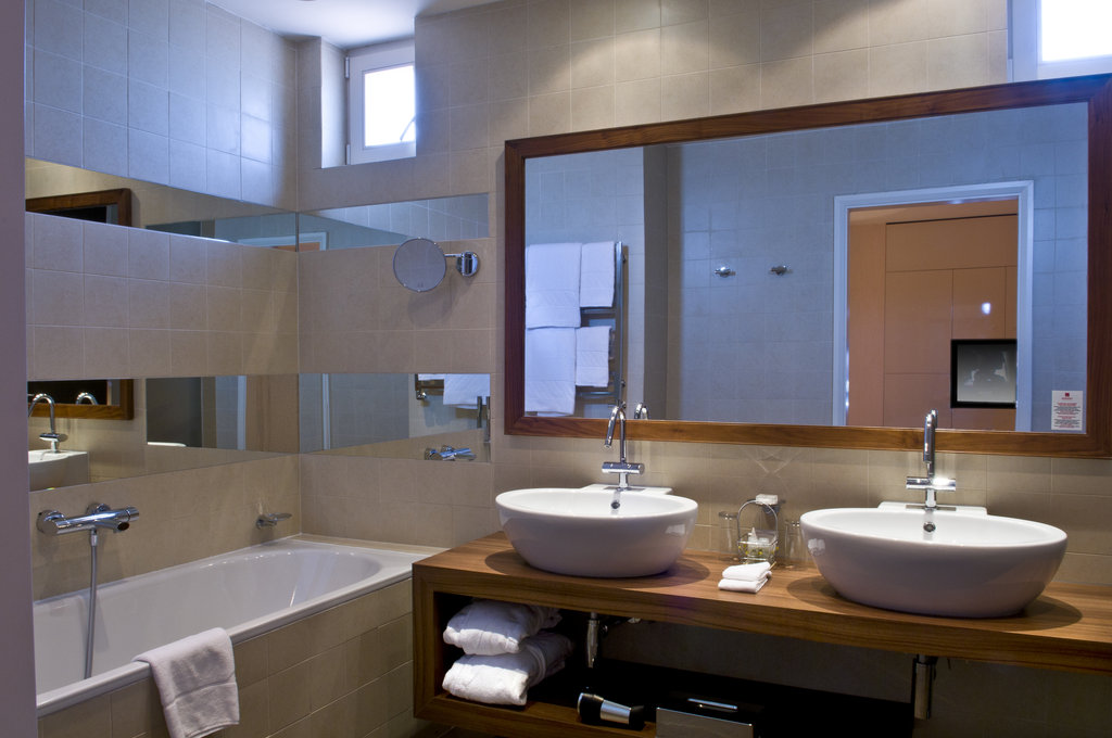 Mamaison Hotel Riverside - Suite Bathroom at Mamaison Hotel Riverside Prague <br/>Image from Leonardo