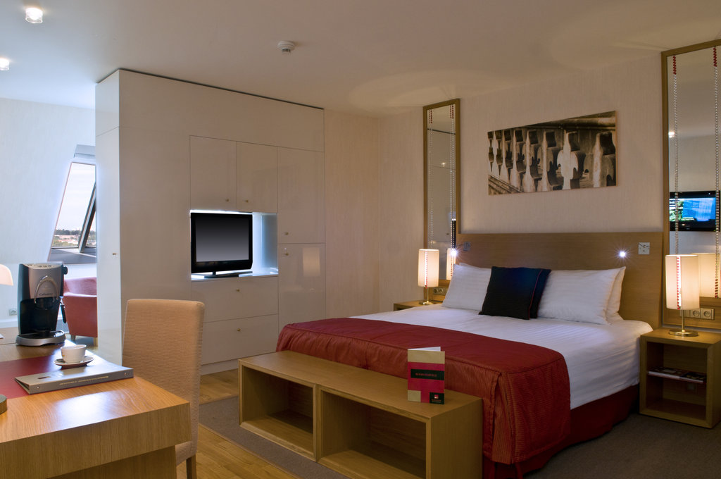 Mamaison Hotel Riverside - Suite at Mamaison Hotel Riverside Prague <br/>Image from Leonardo