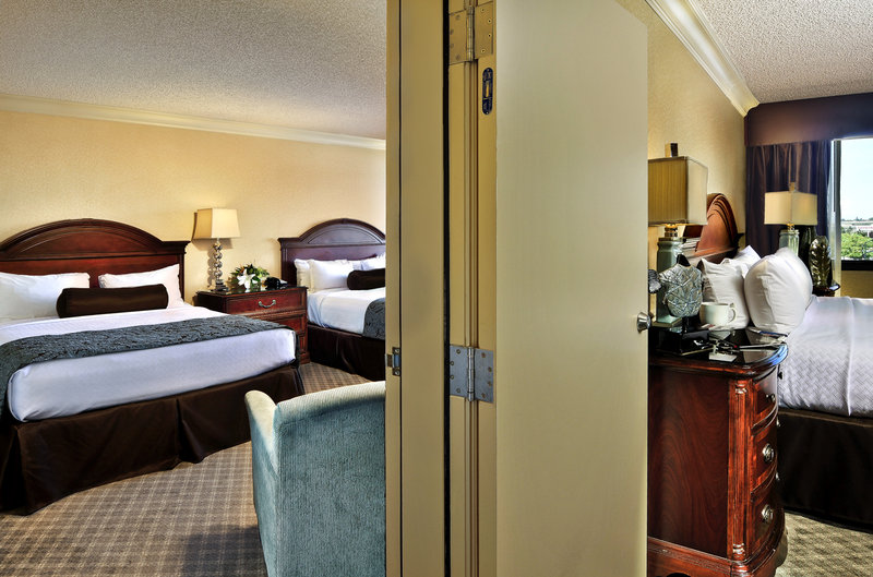 Crowne Plaza Portland-Downtown Conv Ctr-Deluxe Double Queen Connecting to Pres. Suite<br/>Image from Leonardo