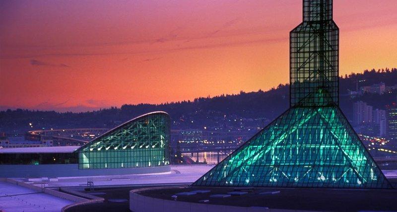 Crowne Plaza Portland-Downtown Conv Ctr-Oregon Convention Center: Crowne Plaza Portland<br/>Image from Leonardo