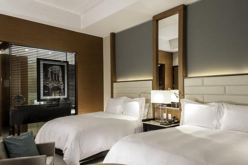 Live Aqua Urban Resort Mexico-Deluxe Room, 2 Double<br/>Image from Leonardo