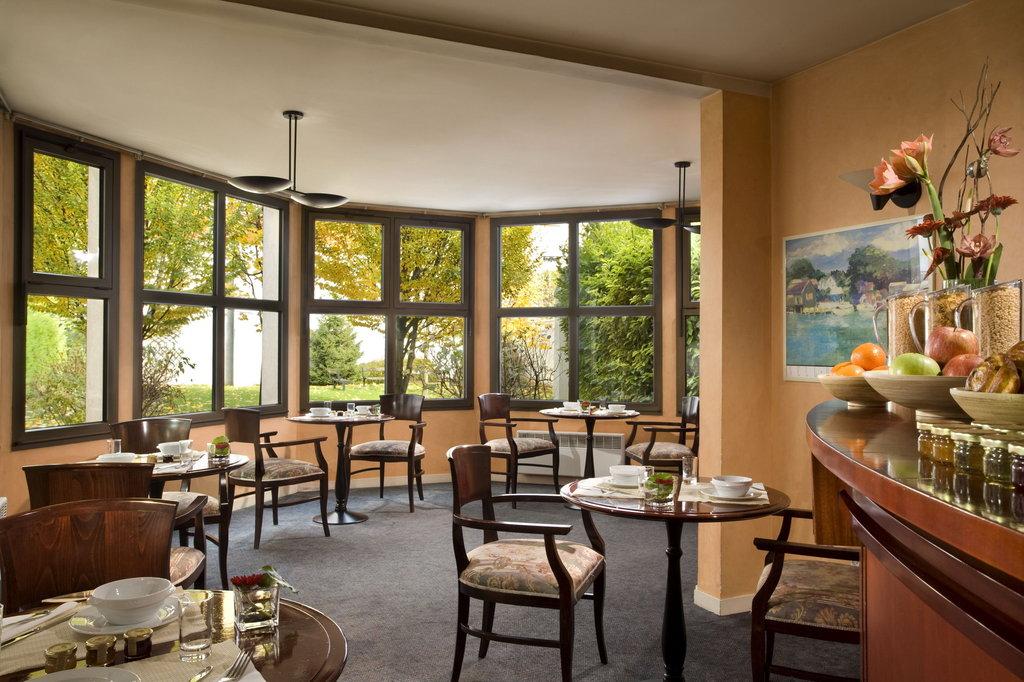 Citadines City Centre Grenoble-Breakfast room<br/>Image from Leonardo