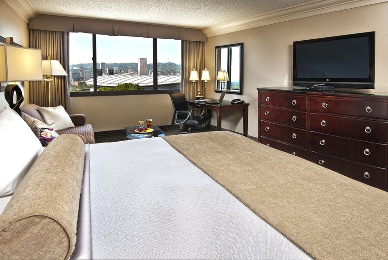 Crowne Plaza Portland-Downtown Conv Ctr-Standard King Room w/ Sofa Sleeper: Crowne Plaza<br/>Image from Leonardo