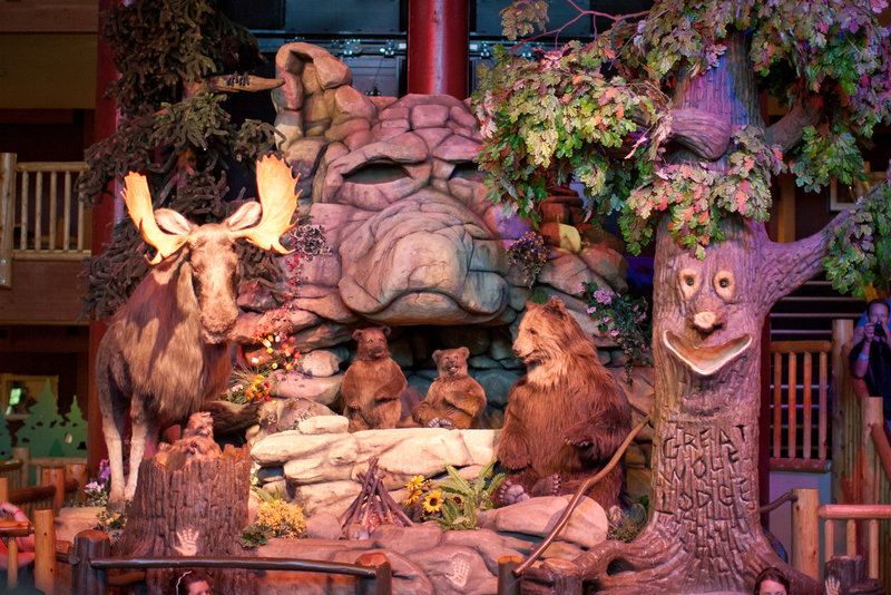 Great Wolf Lodge-Lobby - Great Forest Friends Show<br/>Image from Leonardo