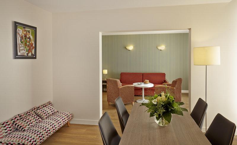 Citadines Kleber Strasbourg-Living room of 1-bedroom Deluxe apartment, Citadines Kléber Strasbourg<br/>Image from Leonardo