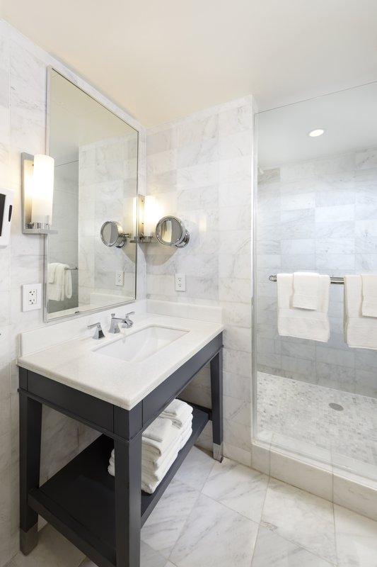 Fontainebleau Miami Beach - Bathroom <br/>Image from Leonardo