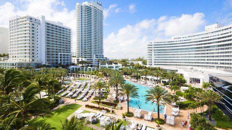 Fontainebleau Miami Beach - New Hero Poolscape <br/>Image from Leonardo
