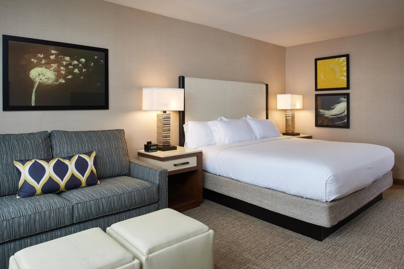 DoubleTree by Hilton Hotel Fresno Convention Center-King guest room with sofa bed<br/>Image from Leonardo