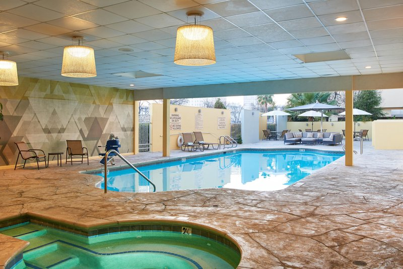 DoubleTree by Hilton Hotel Fresno Convention Center-Outdoor pool and whirlpool<br/>Image from Leonardo