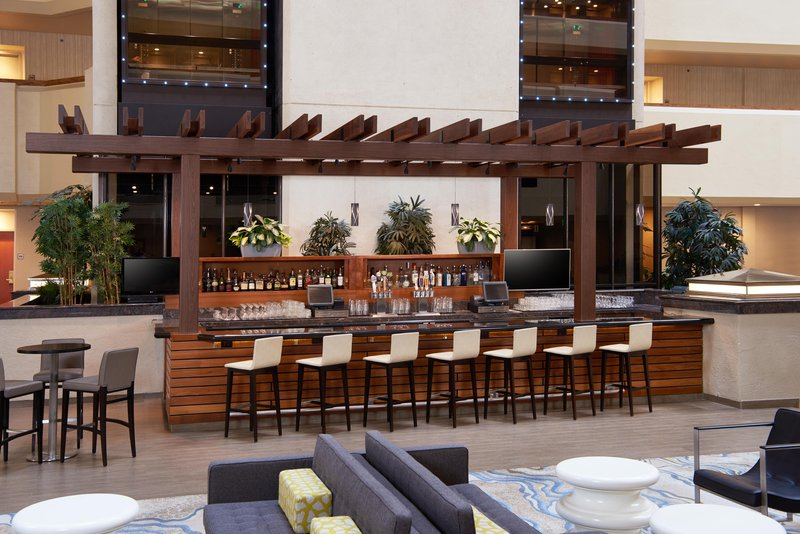 DoubleTree by Hilton Hotel Fresno Convention Center-Lobby Lounge and bar<br/>Image from Leonardo